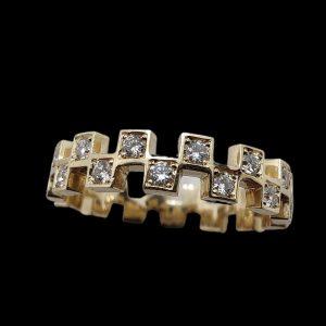 New custom design finished 💎💎 swipe for video 👉  Hit the DM for custom inquiries📩  #gold #diamonds #whitegold #vs #vvs #jewelry #grillz #custom #made #design #silver #ring #chains #earrings #shipping #worldwide #denmark #copenhagen